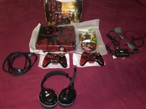 Xbox 360 Gears of War 3 Limited edition & Turtle Beach Headset in Camp Lejeune, North Carolina