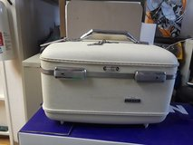 AMERICAN TOURISTER COSMETIC SUITCASE in Schaumburg, Illinois