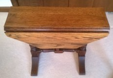 side or end table drop leaf walnut in Naperville, Illinois