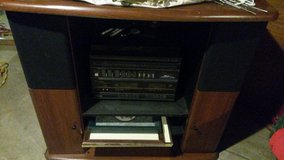 Montgomery wards stereo with speakers an original manual. in Fort Leavenworth, Kansas