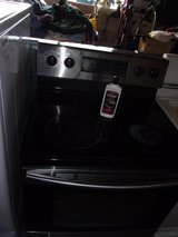 Samsung Electric Glass Top Stove in Fort Riley, Kansas