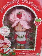STRAWBERRY SHORTCAKE CLASSIC DOLL in Oswego, Illinois