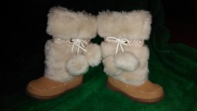 Baby Gap boots size toddler 6 in Hopkinsville, Kentucky