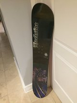 128 cmm Youth Heelside Hawg Snowboard Very Good in Schaumburg, Illinois