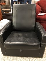 True Innovations Entertainment Ottoman/Gaming Chair in Joliet, Illinois