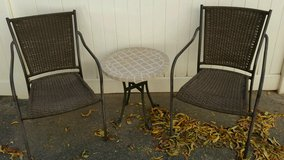 Small table and 2 chairs-indoor/outdoor in Alamogordo, New Mexico
