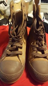Womens converse leather boots in Fort Polk, Louisiana