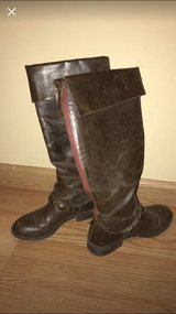 Brown patent leather stud boots with red zipper size 8 in Lockport, Illinois