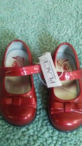 Toddlers size 7 red dress shoes in Cleveland, Texas