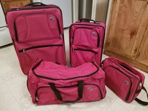 American Tourister Luggage Set in DeRidder, Louisiana