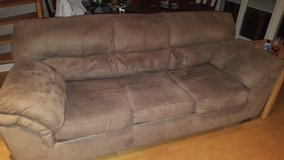 Free 3 seater couch and 2 seater recliner in Stuttgart, GE