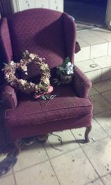 burgandy wing back chair in Algonquin, Illinois