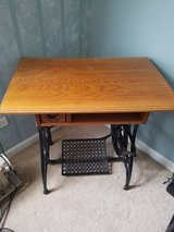 Table ..small ...antique? in St. Charles, Illinois