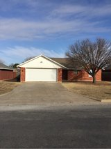 Home 3 bed 2 bath 1,400 sqft in Cache Ok                      805 Huddleston Dr. in Algonquin, Illinois