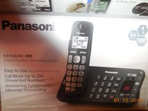 cordless phone Panasonic KX-TGE240 in Fort Campbell, Kentucky