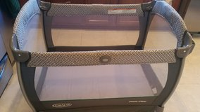 Graco pack n play nearby napper - Portable, With Changing Station, With Bassinet, Freestanding in Glendale Heights, Illinois