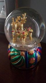 Christmas reindeer music box in Aurora, Illinois