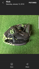 Wilson Baseball Infielders Glove in Travis AFB, California