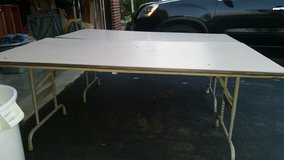 Used 6ft table in Bolingbrook, Illinois