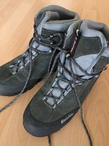 Lady's Hiking Boots in Grafenwoehr, GE