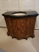Excellent Condition, Like New Vanity in Bolingbrook, Illinois