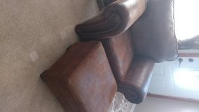 Like new chair and ottoman in Hopkinsville, Kentucky