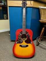 Really Nice Guitar in Fort Campbell, Kentucky