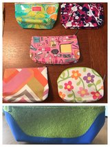 Lilly Pulitzer Estée Lauder and Clinique makeup bags- lot of 6 in Byron, Georgia
