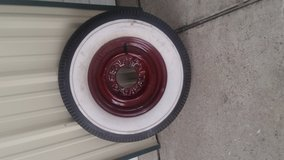 Antique rim & tire new in Pasadena, Texas