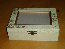 wood photo box in St. Charles, Illinois