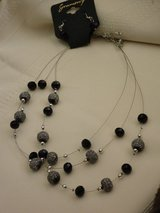 new 3 strand necklace/earrings in Chicago, Illinois
