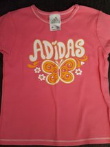 Girls Adidas size 5 in Bolingbrook, Illinois