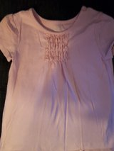Girls pink shirt size 4T in Bolingbrook, Illinois