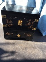Taiwan End Table w/design in Joliet, Illinois