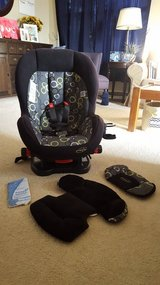Evenflo Triumph Convertible Carseat Car seat in Oswego, Illinois
