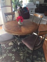 kitchen table and chairs in Oswego, Illinois