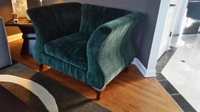 BEAUTIFUL AND BIG VELVET GREEN CHAIR in Bolingbrook, Illinois