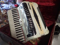 Belsono Accordion - 60 yrs. old - Mint condition! in Elgin, Illinois