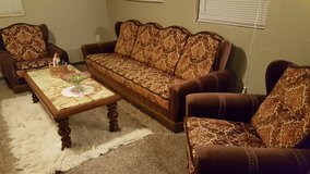 Antique Couch w/Chairs in Alamogordo, New Mexico