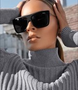 Desi Perkins by Quay On The Low II Sunnies NEW in Naperville, Illinois