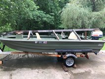 Bee craft boat in Fort Campbell, Kentucky