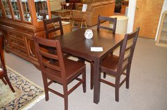 Table & 4 chairs in Tacoma, Washington