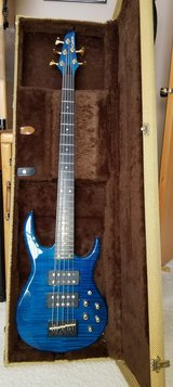 Carvin 5-String Bass in Chicago, Illinois