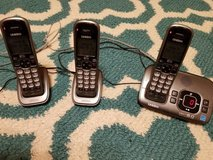 Uniden 3 handset cordless phone with digital answering machine in Byron, Georgia