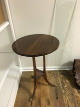 ROUND TABLE / PLANT STAND #2 in Warner Robins, Georgia