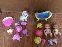 17 Piece Fisher Price Snap N Style Babies, Dog, Bathtub in St. Charles, Illinois