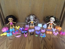 30 Piece Fisher Price Snap N Style Dolls & Accessories in St. Charles, Illinois