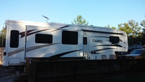 2007 35'   CAMEO BY CARRIAGE 5TH WHEEL CAMPER, DECK11X29, AND 12X16 SHED in St. Louis, Missouri