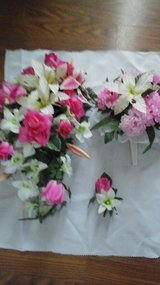 Wedding Bridal Bouquet /Brides  Maid Bouquet  & Grooms Boutonniere in St. Charles, Illinois