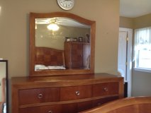 Sale: Bedroom furniture - Queen size in Algonquin, Illinois